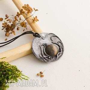 Wisior medalion, wisior, inspirowanynaturą, ceramika, boho, polymerclay