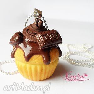 Babeczka czekoladowa - naszyjnik, fimo, babeczka, cupcake, naszyjnik