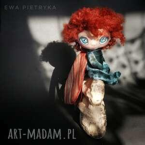 szkrab - smoczy aniołek lalka kolekcjonerska figurka tekstylna ręcznie szyta