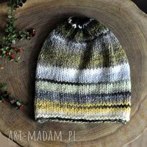 kolorowa czapka dodatki, jesień, nadrutach, wełniana, czapkanagłowę