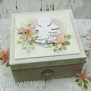 pudełko wspomnień na chrzest św, pamiątka chrztu, kartka chrzest