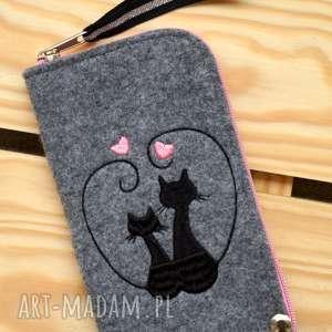 hand made etui filcowe na telefon - zakochane koty