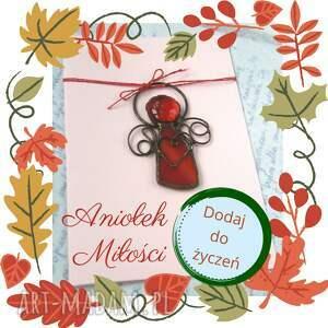 kartka na życzenia z czerwonym aniołkiem miłości, życzenia