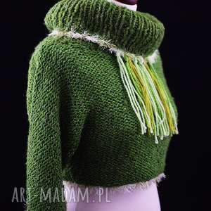 zielony sweterek z frędzlami, sweter, sweterek, golf, frędzle, prezent, unikat