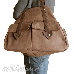 Brązowy kuferek xxl podróżne urszulaklospolana bagaż, prostota