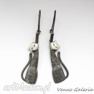 ręcznie zrobione kolczyki kolczyki srebrne - czarne koty na biglach