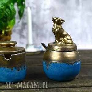 ręczne wykonanie ceramika zestaw pojemników na sól oraz cukier   z wilkiem solniczka