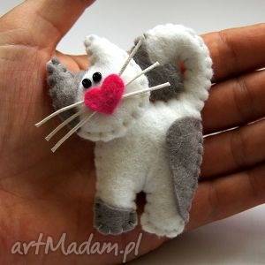 broszki kotek - broszka z filcu, filc, kot, lekki, miękki, zabawny, modny