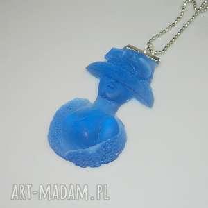 niebieska dama -n52, wisior, żywica, unikatowa biżuteria, wisior żywica