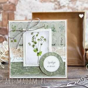 naturalna kartka w pudełeczku z efektem szklanej szybki zielnik mrufru