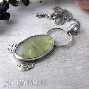 naszyjnik z frenitem, srebrny zdobiony naszyjnik, frenit i srebro, zielony naszyjnik