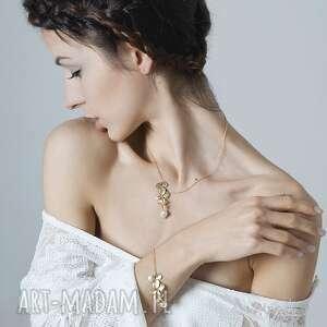 komplet złote listki z perłą, delikatny, lekki, asymetryczny, perły