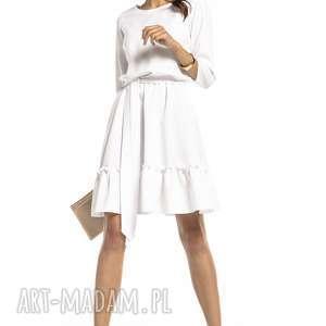 Elegancka sukienka z falbaną ściągnięta w pasie, t285, biała