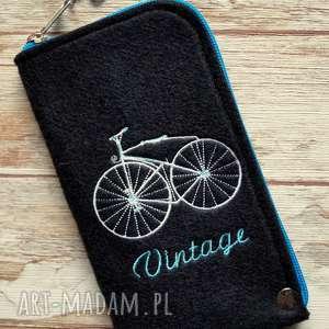 ręczne wykonanie etui filcowe na telefon - vintage bike