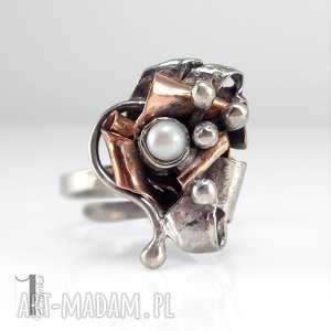 miechunka copper rose srebrny pierścionek z miedzią i perłą
