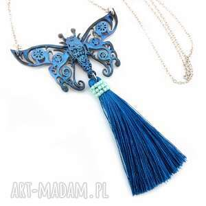 handmade wisiorki 0890/mela - wisior motyl z żywicy chwostem