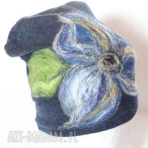 czapka wełniana damska granat - wełna, etno, zima, czapka, kolorowa, kwiaty