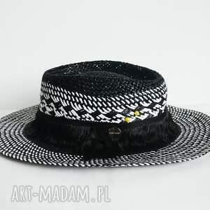 hand made czapki kapelusz black & white