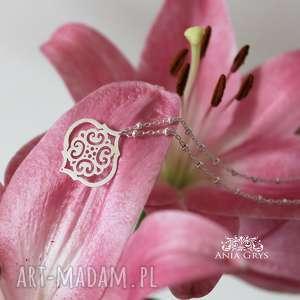 marokańskie inspiracje, wisiorek, naszyjnik, rozeta, aniagrys, srebrny, maroko