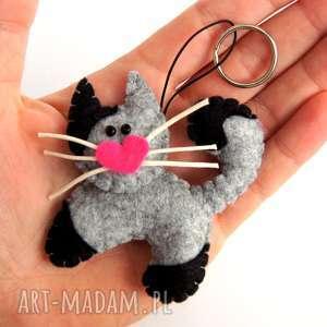 Prezent Kot kotek - brelok z filcu, kot, serce, wąsy, brelok, filc, upominek