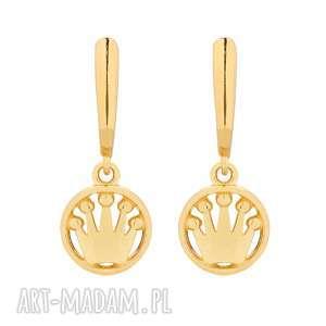 złote kolczyki z koronami, kolczyki, korony, okrągłe, wiszące, eleganckie