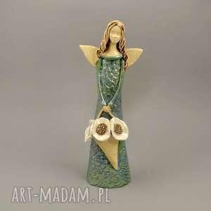 anioł z koszem maków, anioł, ceramika, kosz