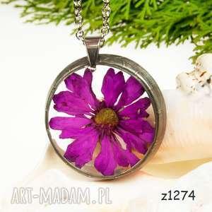 naszyjnik z suszonymi kwiatami, herbarium jewelry, kwiaty w żywicy z1274
