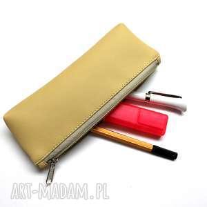 kosmetyczki piórnik - beżowy, elegancki, nowoczesny, pakowny, prezent, święta