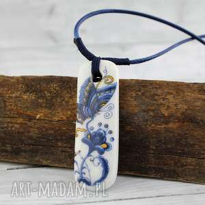 Motyl - wisior ceramiczny, regulowany, kwiatowy, sznurek, zdobiony, retro