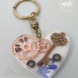 0443 mela brelok do kluczy serce steampunk, brelok, kluczy, żywica, epoksyd