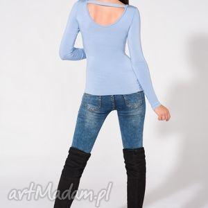 bluzka z odkrytymi plecami, t149, niebieska, bluzka, dzianina, wiskoza, przylegająca