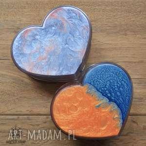 Zestaw prezentowy Serca II: 2 malowane pudełka w kształcie serc, serce, serduszka