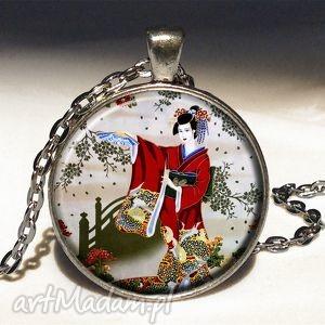 egginegg gejsza - medalion z łańcuszkiem - orientalny, naszyjnik