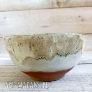ręcznie zrobione ceramika miska brązowo-beżowa