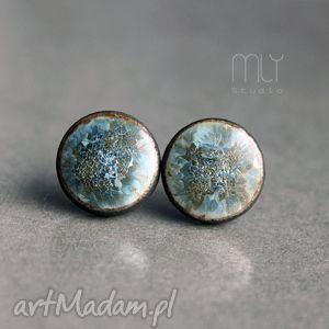 Krystaliczne, kryształ, sztyfty, wkrętki, plamki, okrągłe, połyskliwe