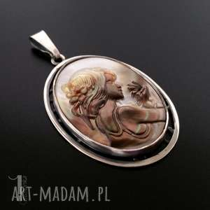 amfitryta srebrny medalion z masą perłową miechunka - metaloplastyka