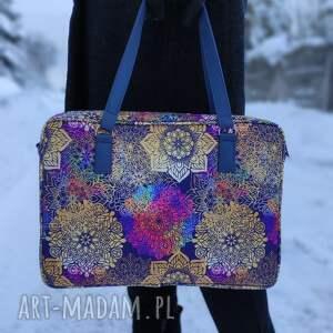 ręcznie wykonane święta upominki torba na laptop - tęczowe mandale