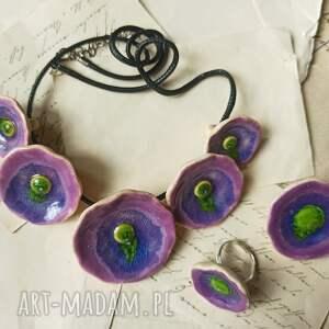zestaw biżuterii kwiatowej, ceramika biżuteria, naszyjnik, broszka pierścionek