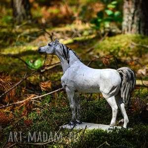 Rzeźba figurka ceramiczna konia arabskiego | vintage prowansja handmade