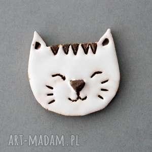 Mruczek-broszka ceramika broszki kopalnia ciepla minimalizm