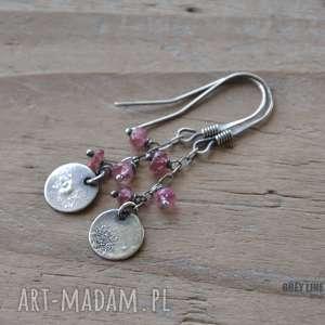 małe szlachetne - różowy turmalin, srebrne, surowe, wiszące, delikatne