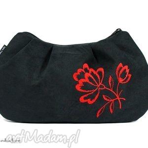 kopertówka ::black::, zamsz, haft, kopertówka, wyszywana, kwiat