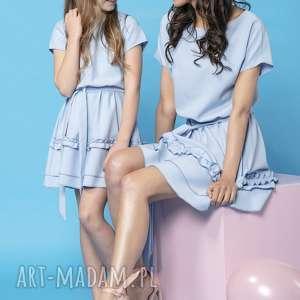 komplet sukienek z ozdobną falbanką, model 30, jasnoniebieski, komplet