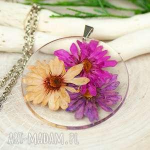 naszyjnik z prawdziwymi kwiatami zatopionymi w żywicy z311, biżuteria