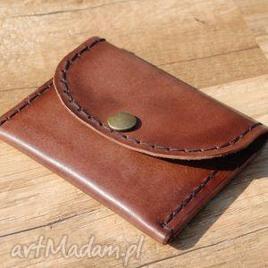 brązowa skórzana portmonetka z możliwością personalizacji, portfel