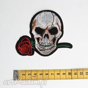 Naszywka czaszka z różą, naszywka, aplikacja, czaszka, metal, rock, dodatek