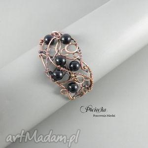 ręczne wykonanie bransoletki black, bransoletka w eleganckim stylu ze szkłem