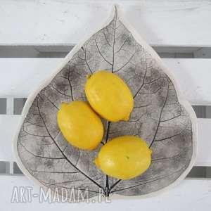 ręcznie zrobione ceramika talerz liść