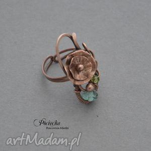 handmade pierścionki water lilly - pierścionek z kwiatem