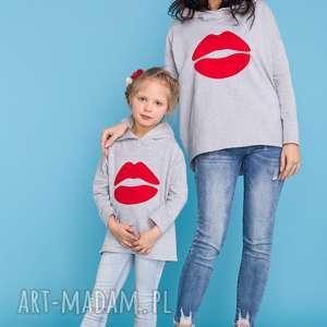 KOMPLET DLA MAMY I CÓRKI, bluza z kapturem i aplikacją czerwonych ust, model 22